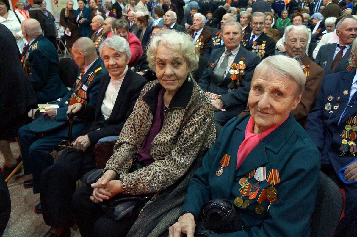 Поздравление ветеранов с днем победы от губернатора фото 471